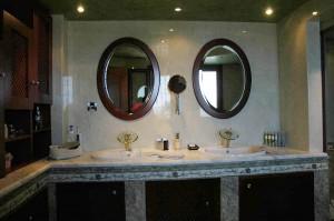 The big bathroom of the master bedroom (3rd floor)