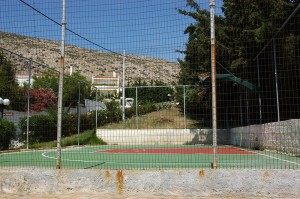 "The tennis court of the private housing estate ""Maistrali"""